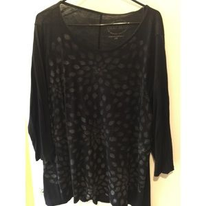 Lucky Brand black top with subtle silver print